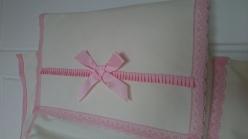 colcha-ajustable-rosa-y-balnca-detalle-regalos-con-tela