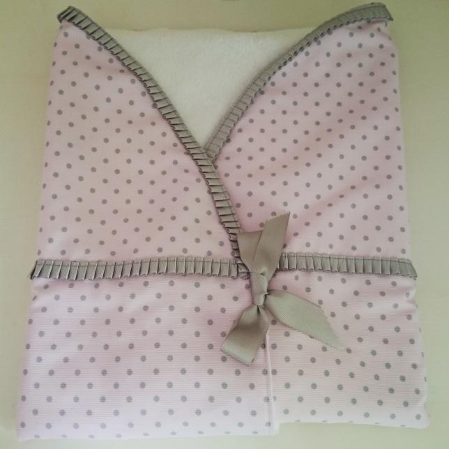 arrullo-rosa-gris-regalos-con-tela